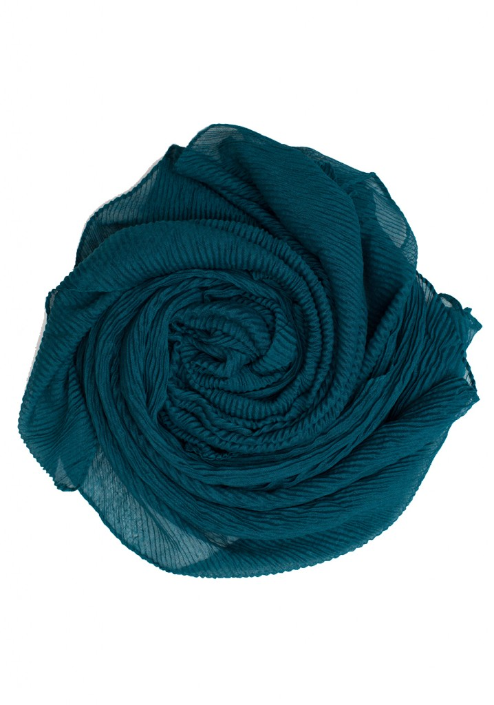 teal coloured crinkle hijab