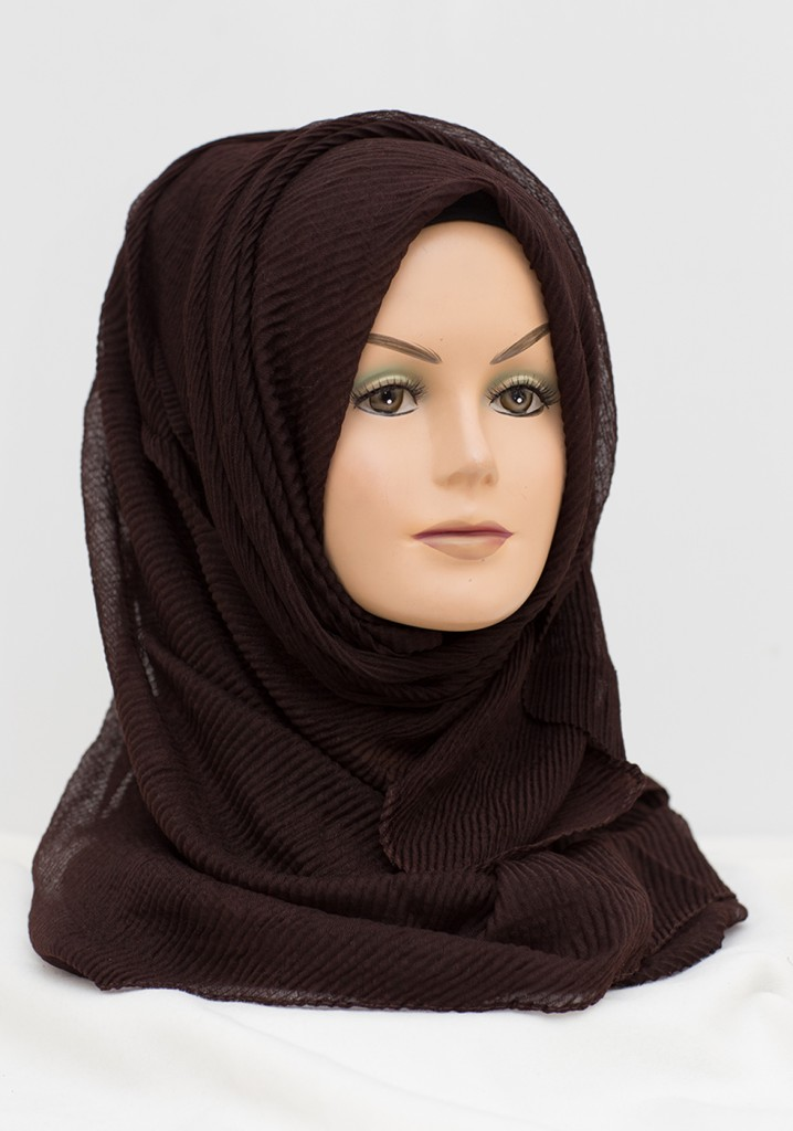 dark brown crinkle wavy hijab